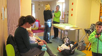 Mutter-Eltern-Beratung mit Hebamme Veronika